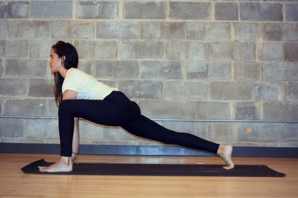 5 Yoga Poses (Stretches) For Tight Hip Flexors - Argentina ...